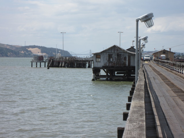 Photo of station #9415102, Martinez-Amorco Pier, CA